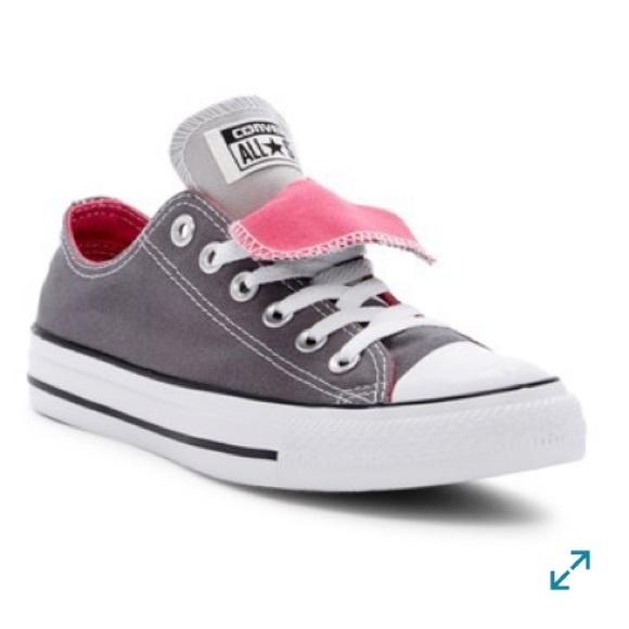 grey converse with pink tongue